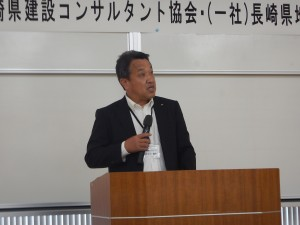 開会のご挨拶を述べる当協会代表理事 谷川達夫